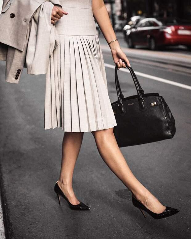 11 трендовых моделей юбок, которые будут носить все модницы 40 лет в 2021 году