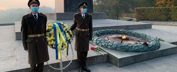 Получив отлуп на выборах, Зеленский вспомнил про советских освободителей