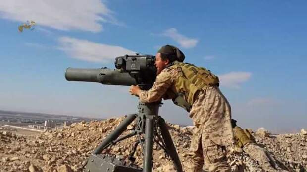 Выпущенную сирийскими боевиками ракету сбила с курса система защиты российского Ми-8