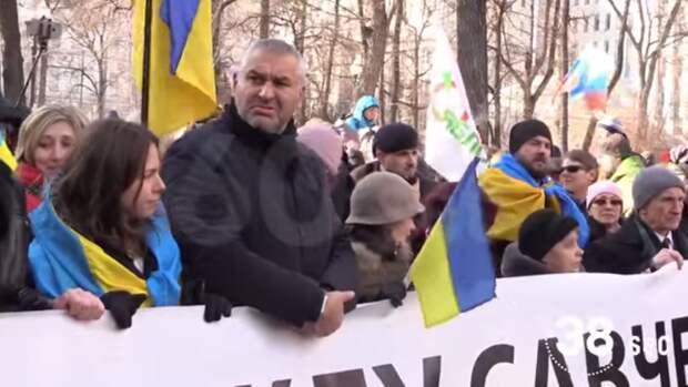 Марш памяти Немцова за 60 секунд. Зовите санитаров (видео)