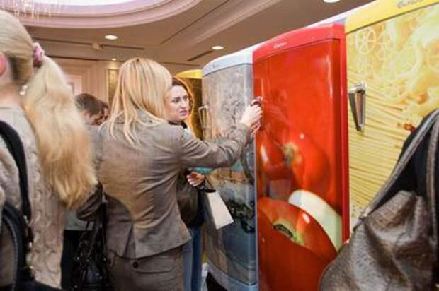 Холодильник как элемент интерьера: шедевры киевского бытового дизайна