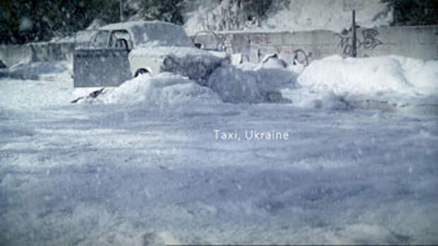 Ролик Tennents Lager: сколько человек поместится в украинское такси?