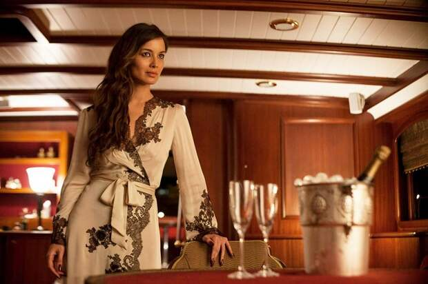 Французская актриса и модель Беренис в роли Северин в фильме «007: Координаты «Скайфолл»», 2012 год.