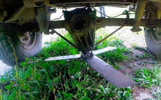 УАЗик превратили в газонокосилку. И это работает!