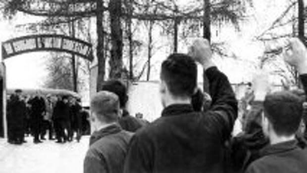 Блог проекта Культурология.Ру: Лагерные восстания в ГУЛАГе: Чем они были опасны для власти и как их подавляли