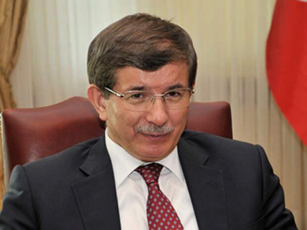 Фото: Давутоглу назвал «ударом в грудь» нарушение РФ воздушного пространства Турции  / Политика
