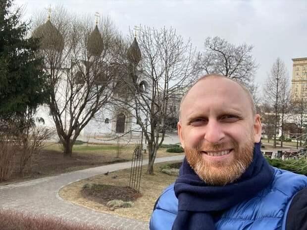 Водитель экс-резидента Comedy устроил драку на дороге в Москве