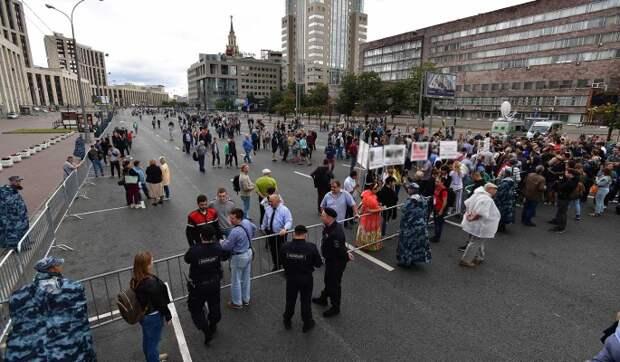Общественники призвали родителей уберечь детей от незаконных акций