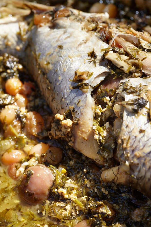 Рыбный обед без хлопот на большую компанию: мутаччам