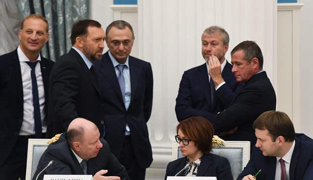 Почти 40% россиян уверены: Путин отстаивает интересы олигархов