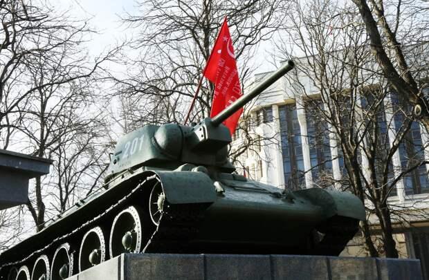 Глава Крыма поздравил с Днём освобождения Симферополя от фашистов