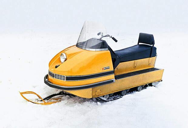 В феврале 1973 года Государственная комиссия приняла решение о серийном производстве «Буранов», и к концу года была выпущена первая тысяча снегоходов СССР-Россия, история, снегоход