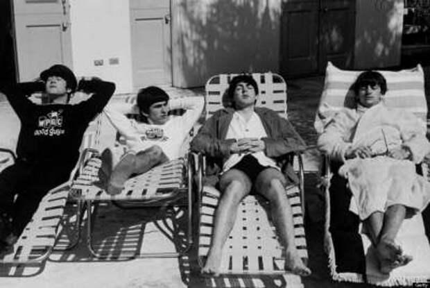 Знаменитые люди на пляжном отдыхе