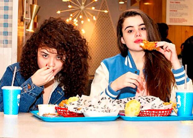 Две пухлые девицы из инстаграма меняют модельную индустрию