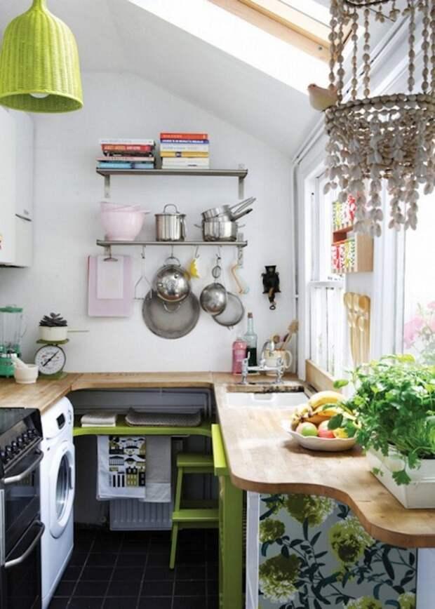Маленькая и уютная кухня - экономим место