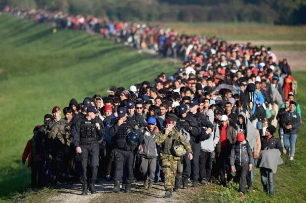В Минске жителей Азии и Африки, готовых штурмовать европейские границы, с каждым днём всё больше