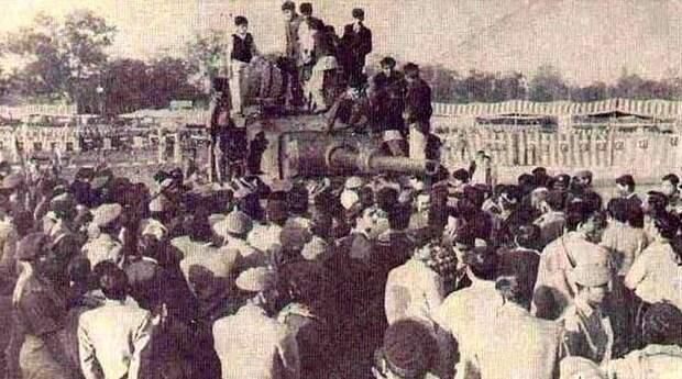 Народное ликование в Лахоре, 1965 год - Индо-пакистанская война 1965 года: танковое сражение за Асал-Утар | Военно-исторический портал Warspot.ru