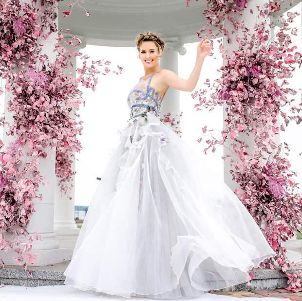 Кожевникова круче невесты выглядела на свадьбе, но актрису это никак не смутило