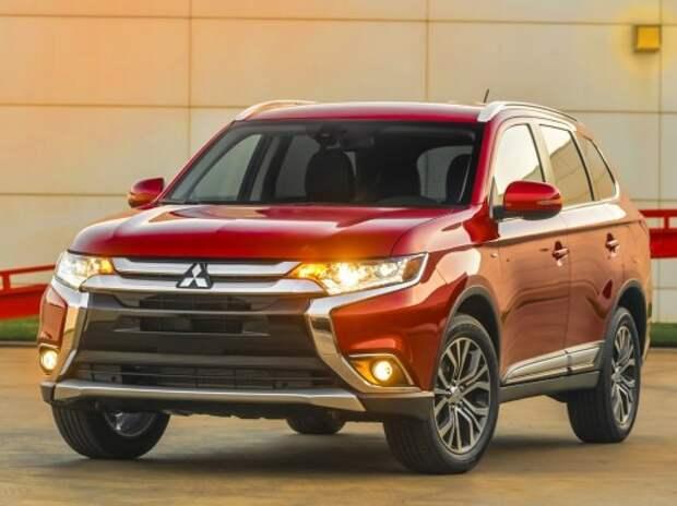 Обновленный Mitsubishi Outlander получил более сотни изменений