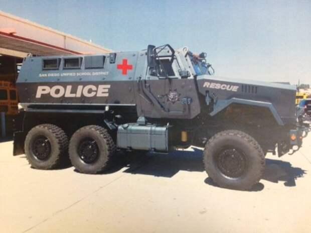 Полицейские будут охранять школы на броневике за 700 000 долларов