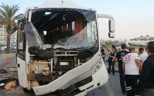 В ДТП с автобусом в Турции погибли три россиянина
