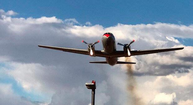 В ЮАР разбился ретро-самолет который должен был лететь в музей