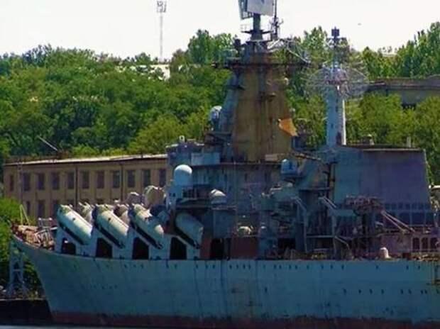 Украина решила заменить уникальный ракетный крейсер надувными лодками