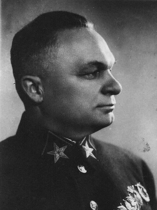 Начальник Генерального штаба РККА маршал Советского Союза Александр Егоров, 1937 год