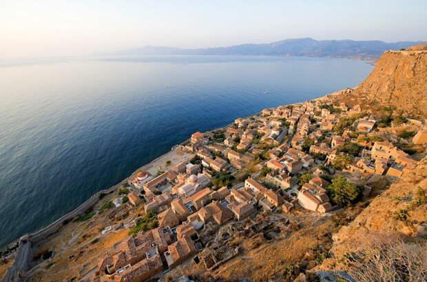 12 крошечных поселений мира