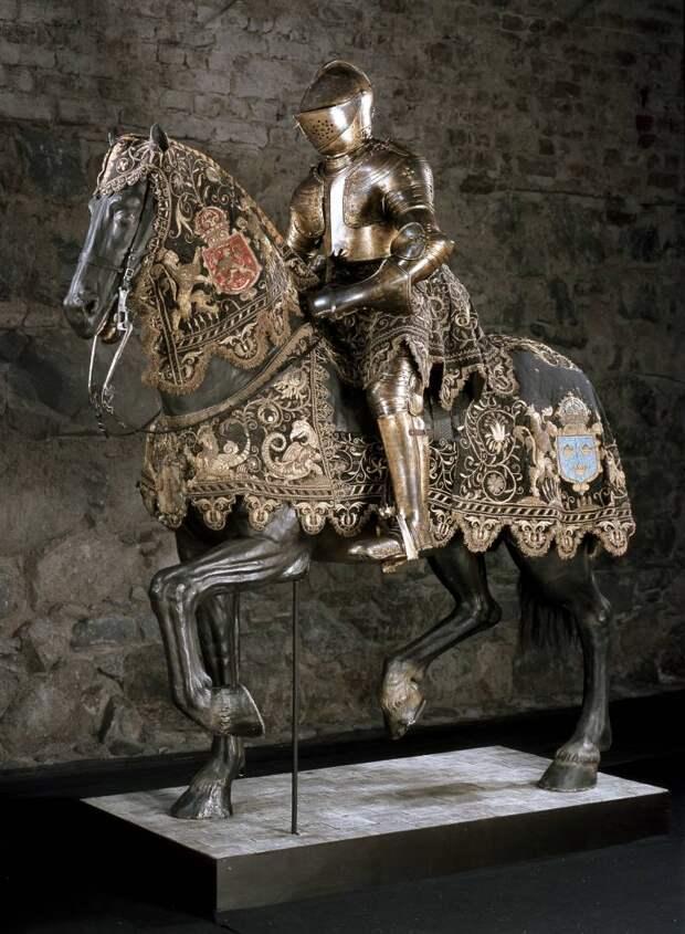 Королевская оружейная палата в Стокгольме и её рыцарские доспехи…