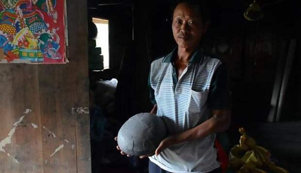 Аномальная скала откладывает каменные «яйца» в Китае