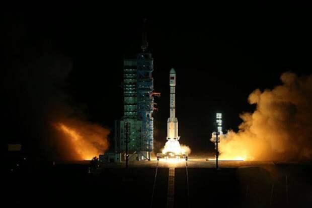 «Защитит от противоспутникового лазерного оружия»: В Китае тестируют «стелс»-технологию для спутников с применением композитных материалов