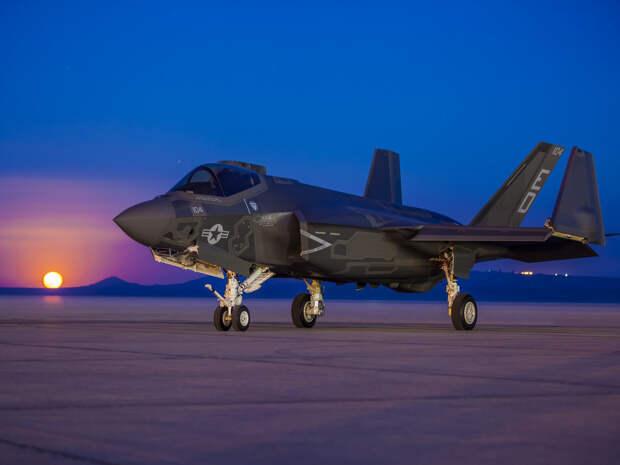 На Западе рассказали о «больном месте» F-35 и F-22