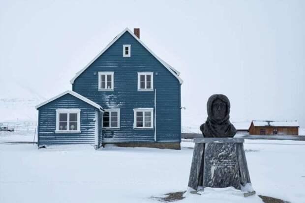 Деревня Ню-Олессун на архипелаге Шпицберген