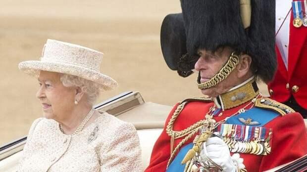 The Guardian: королевская семья нарушит традицию на похоронах принца Филиппа