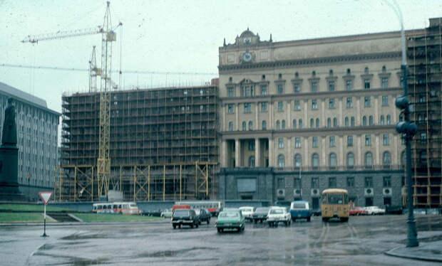 Реконструкция здания <strong>КГБ</strong> в 1983 году