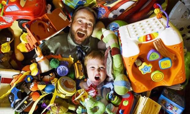 Хватит заваливать ребенка игрушками