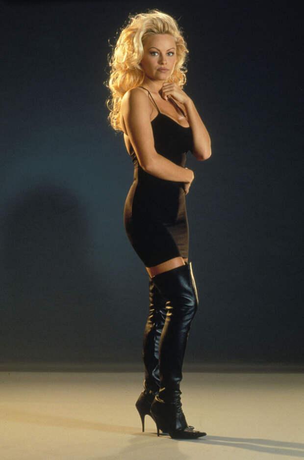 Памела Андерсон (Pamela Anderson) в фотосессии Рона Грепера (Ron Groeper) (1996), фото 7