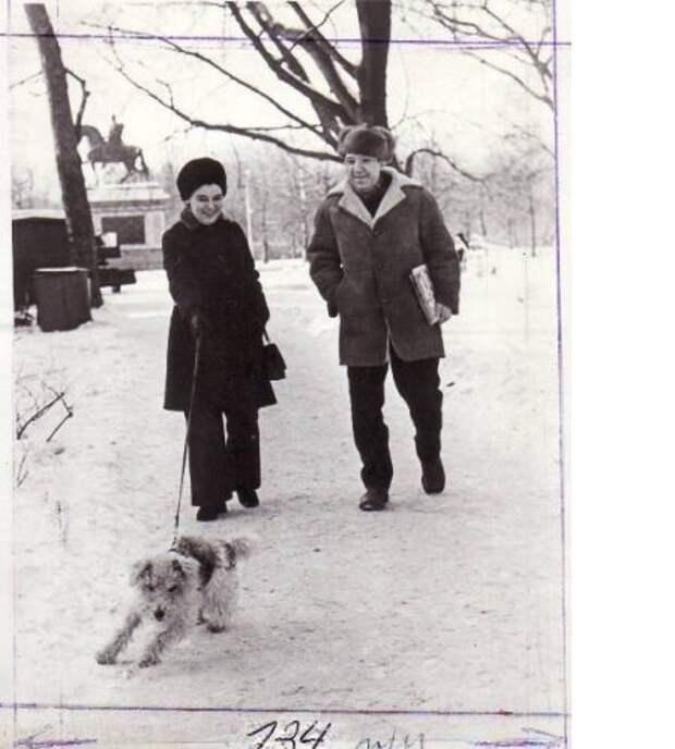 на прогулке с собакой Редкие фото Юрия Никулина, история, фото