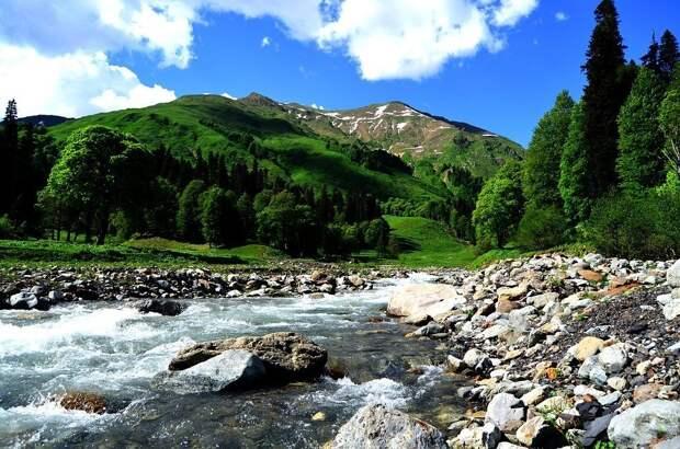 Абхазия готова открыть границы для туристов из России с 15 июля