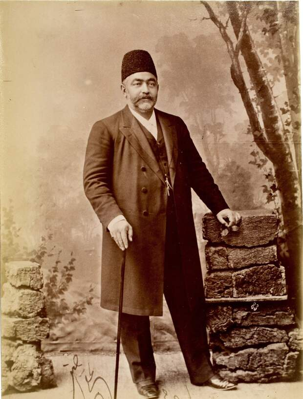 Мирза Али Асгар-хан (Амин-эс-Салтане), садразам (великий везир)