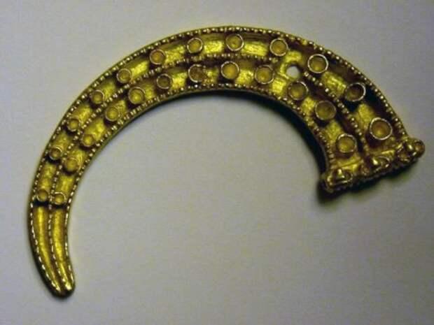 В Монголии нашли древнее золотое украшение времен Гуннов