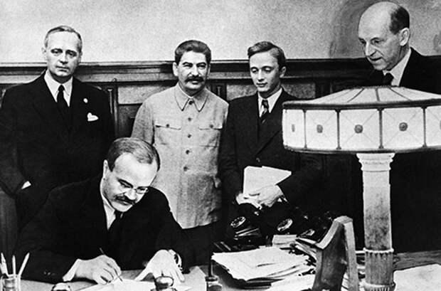 Пакт Молотова-Риббентропа преступен? Тогда Галиция не украинская!