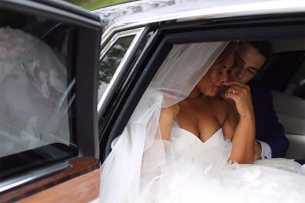 Корнелия Манго вышла замуж