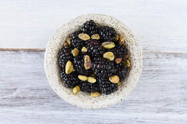 20 полезных и вкусных закусок, в которых нет и двухсот калорий