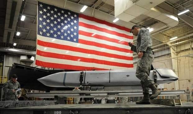Польшу пытаются отговорить от размещения ядерного оружия США в стране против России