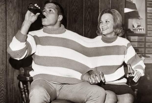 Ретро свитер для влюбленных