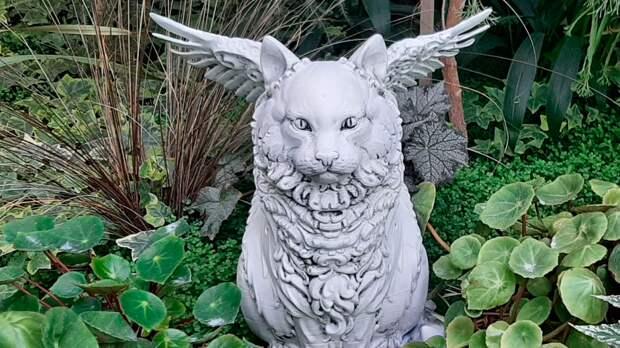 Эльфы, крылатые коты и драконы появились в Ботсаду Томского университета