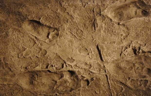 Загадочные следы стоп: лаэтольские отпечатки.