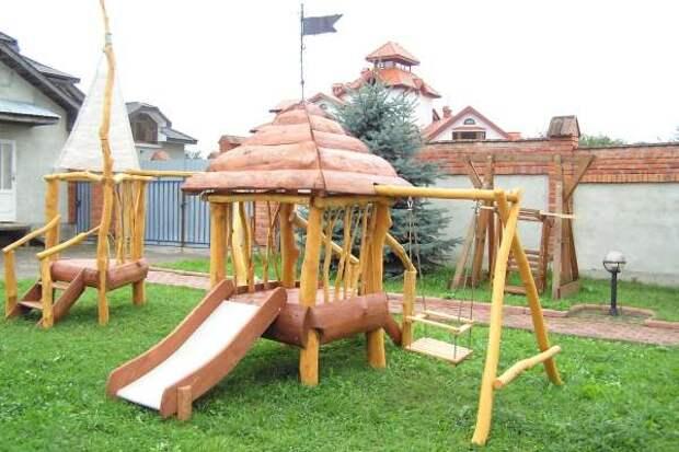 Детская площадка во дворе - 2